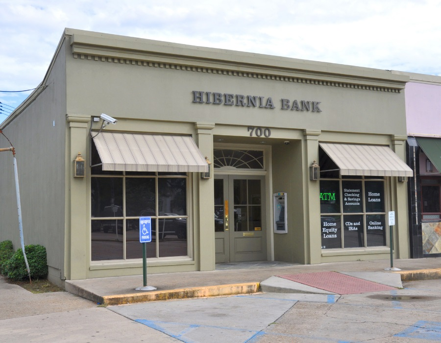 Hibernia Bank Carrollton Branch in New Orleans Louisiana